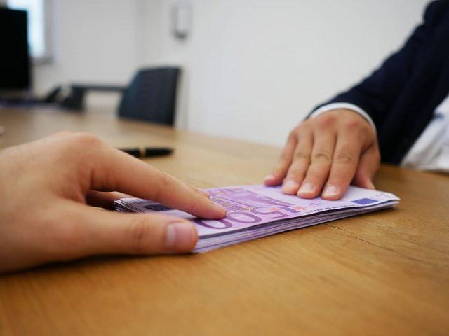Successione conto corrente: a cosa serve, come funziona e costi